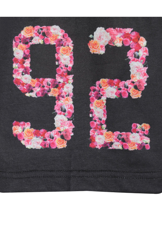 raya tshirt in black and floral