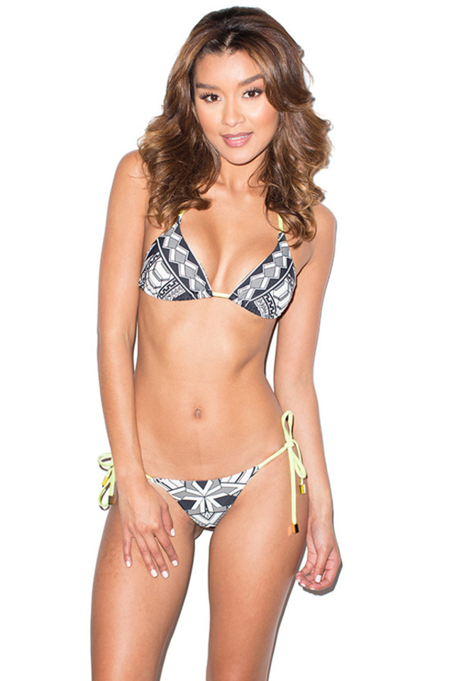 Java Black and White Graphic Print Triangle Bikini