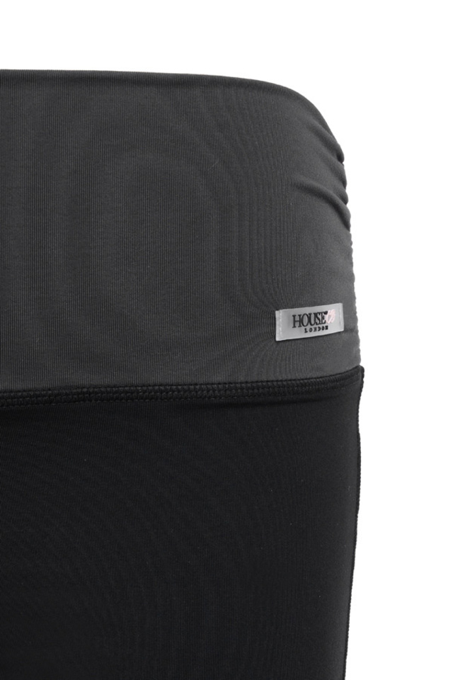 warm up shorts in black