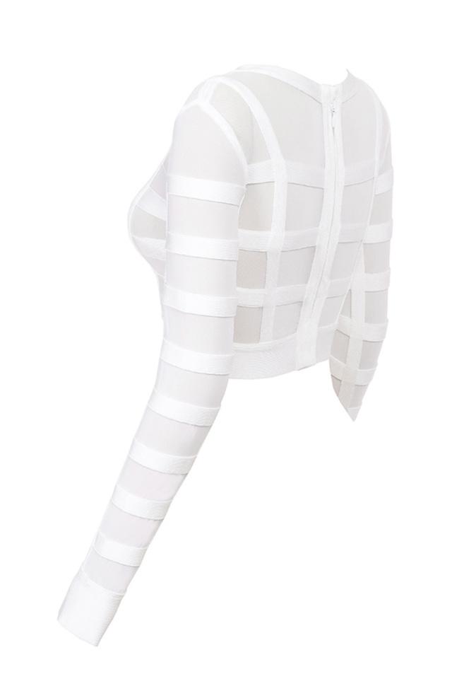 larine in white