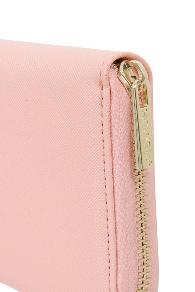 zip around purse in peach