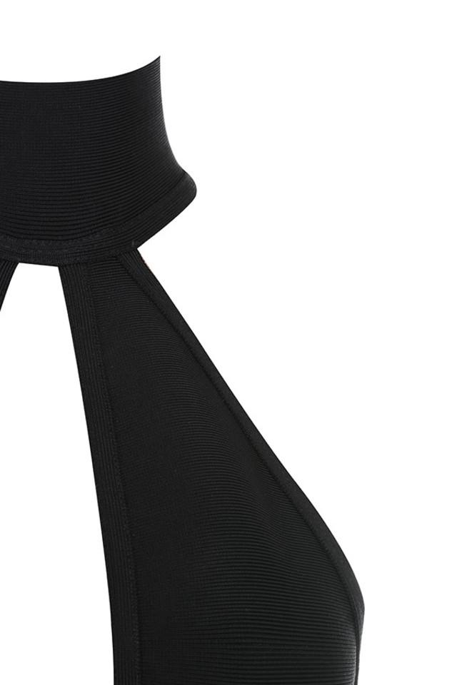 black alejandra