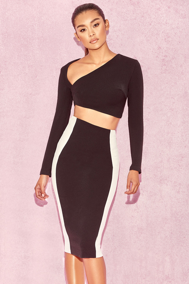 Joi Black & White Curved Two Piece