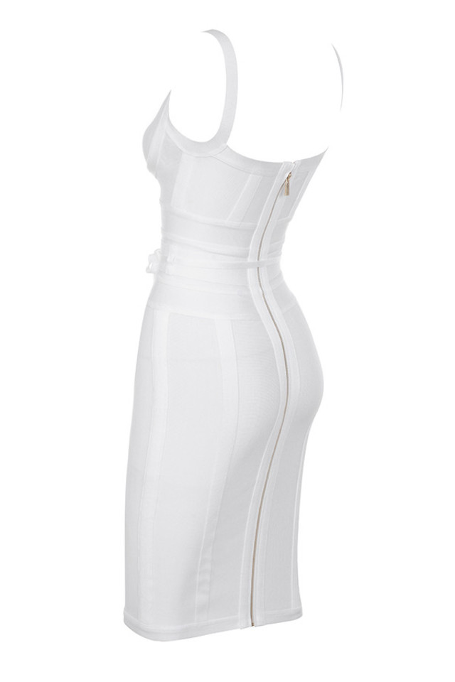belice in white