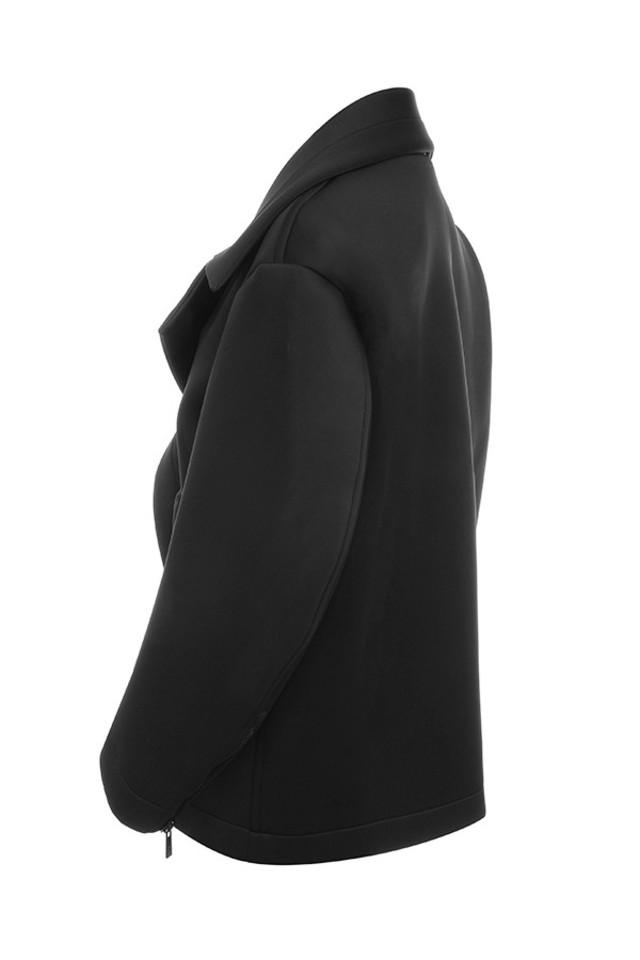colleta in black