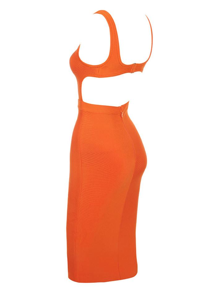 justina in orange
