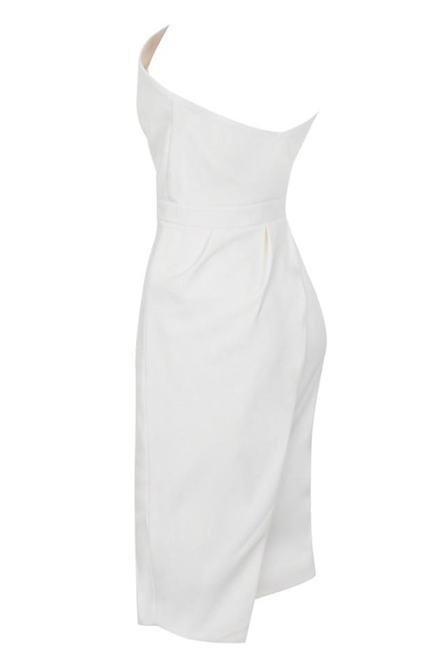 uma in white