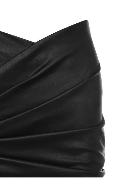 elora in black