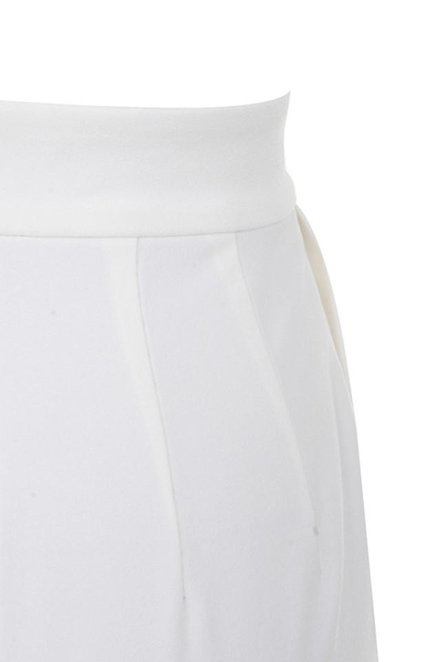 white maite trousers