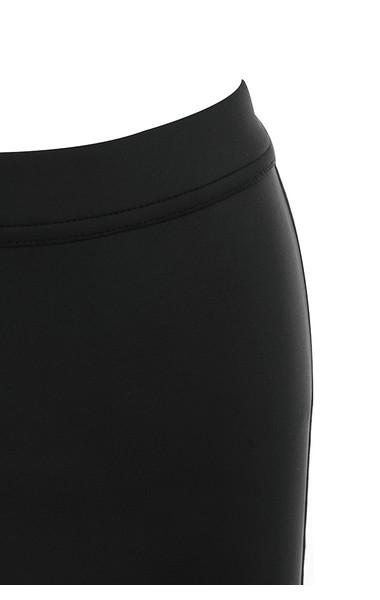 aria shorts in black