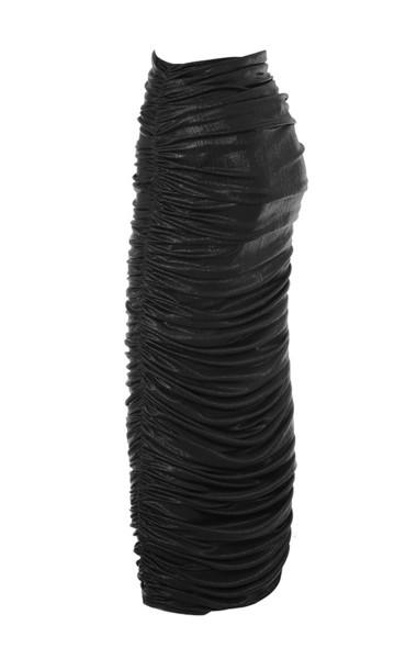 yuli in black