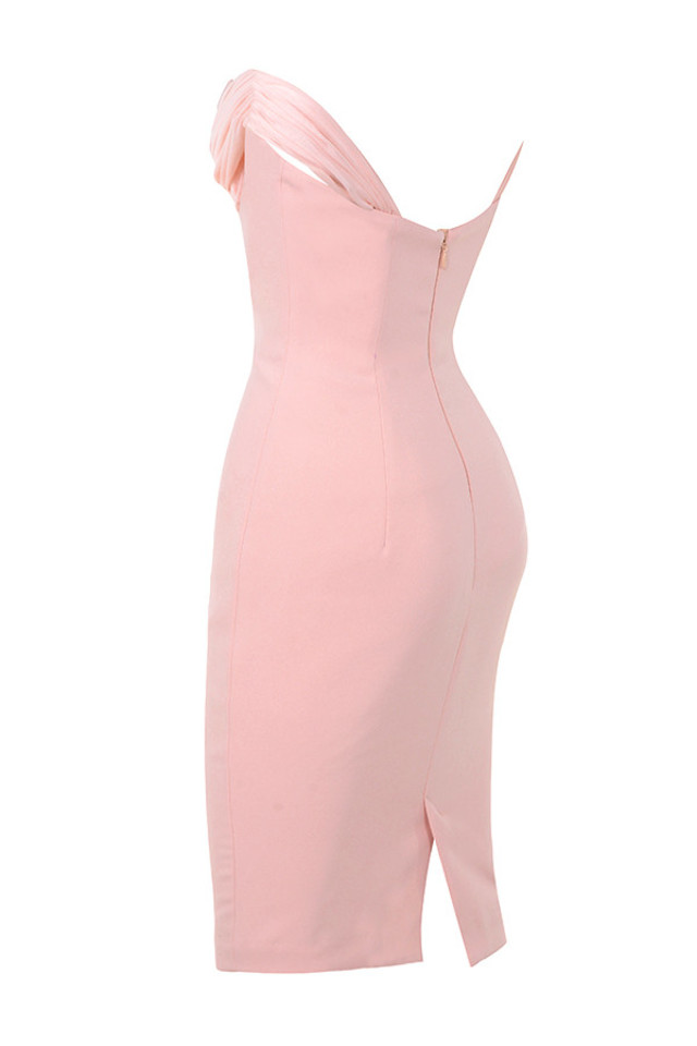 yolanda in pink