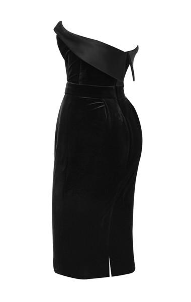 ayla in black