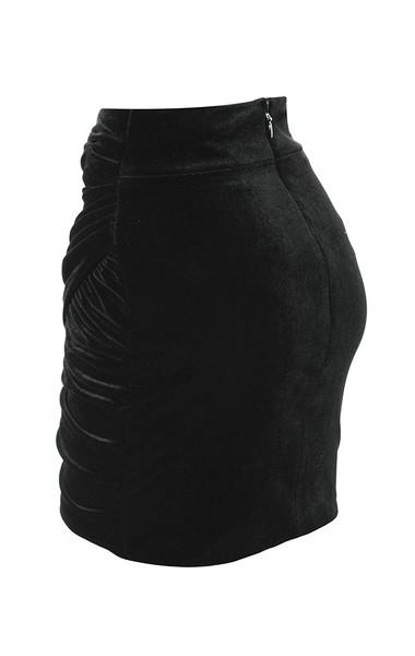 edwina in black