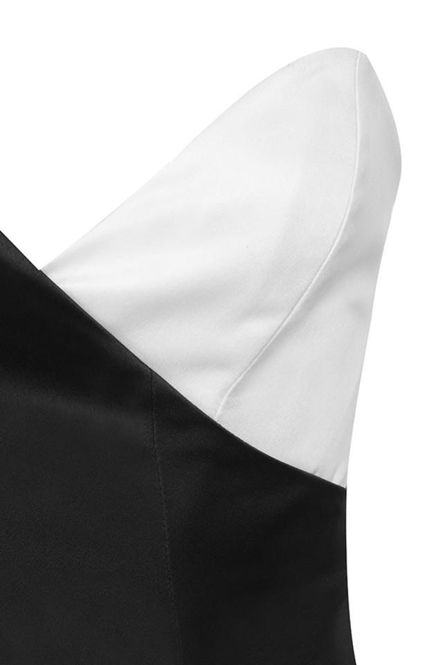 clio in white
