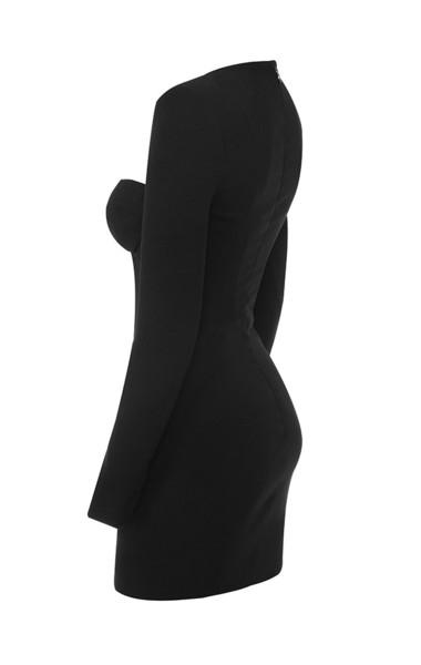 lala in black