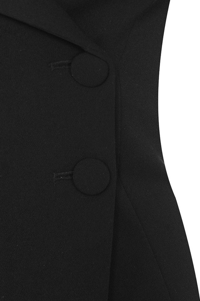 black dominica dress