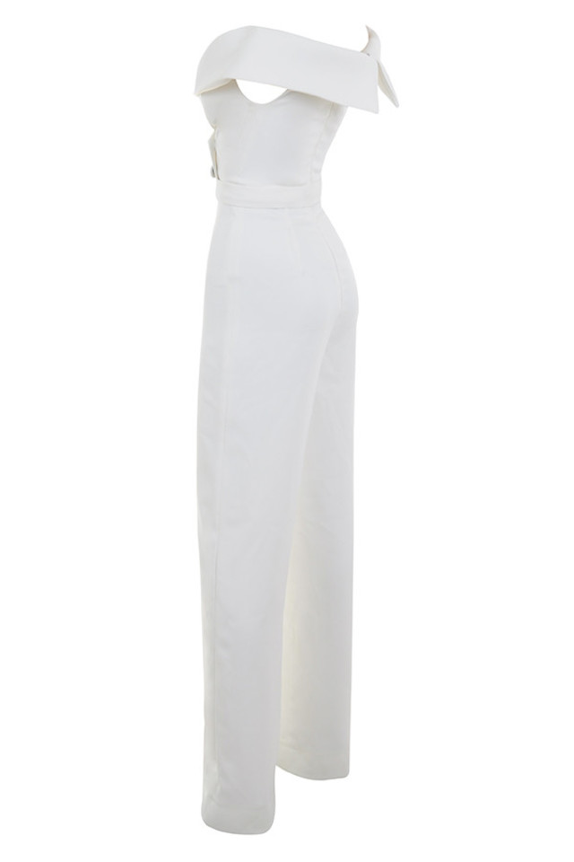 rissa in white