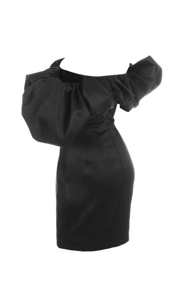 selena in black