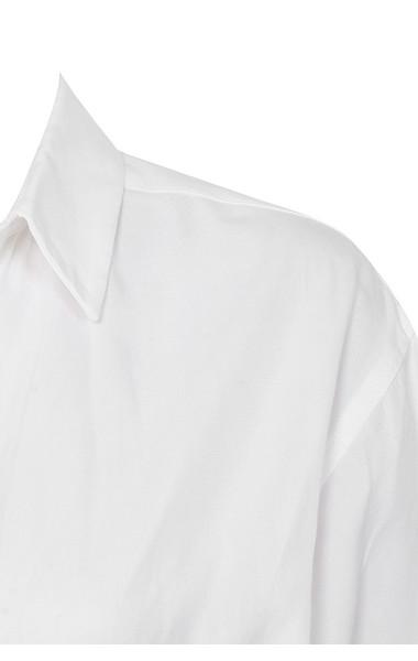 white amelia