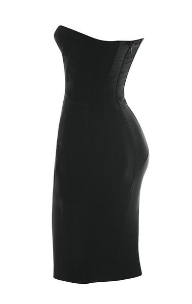 jaleesa in black