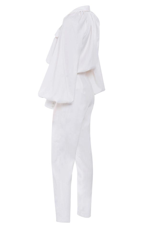 delilah in white