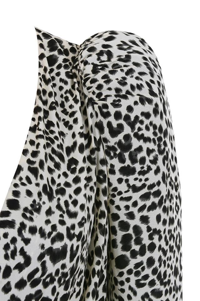 leopard sandy