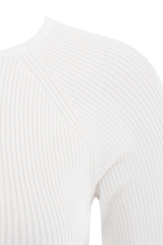 white lisandra