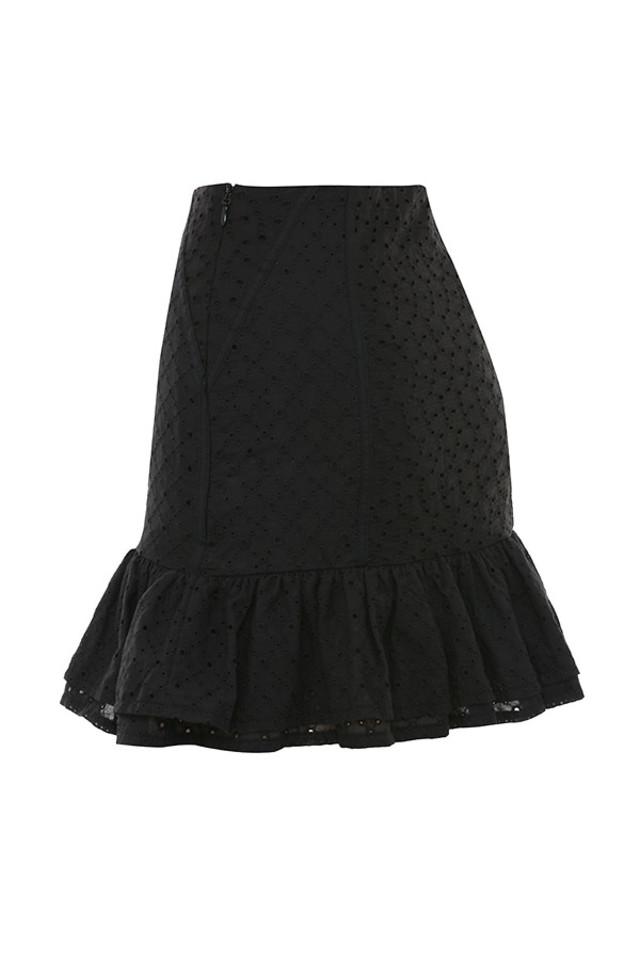 nathlie in black