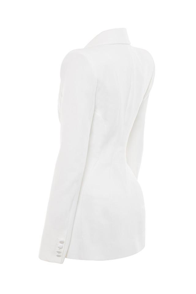 romana in white