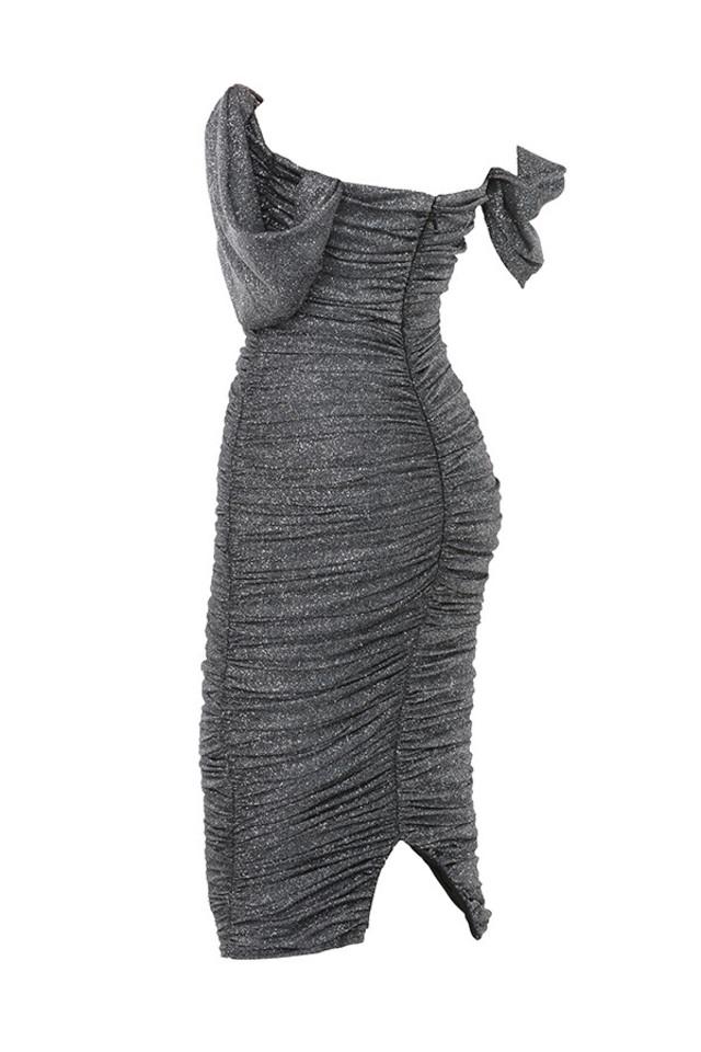 carlotta in grey