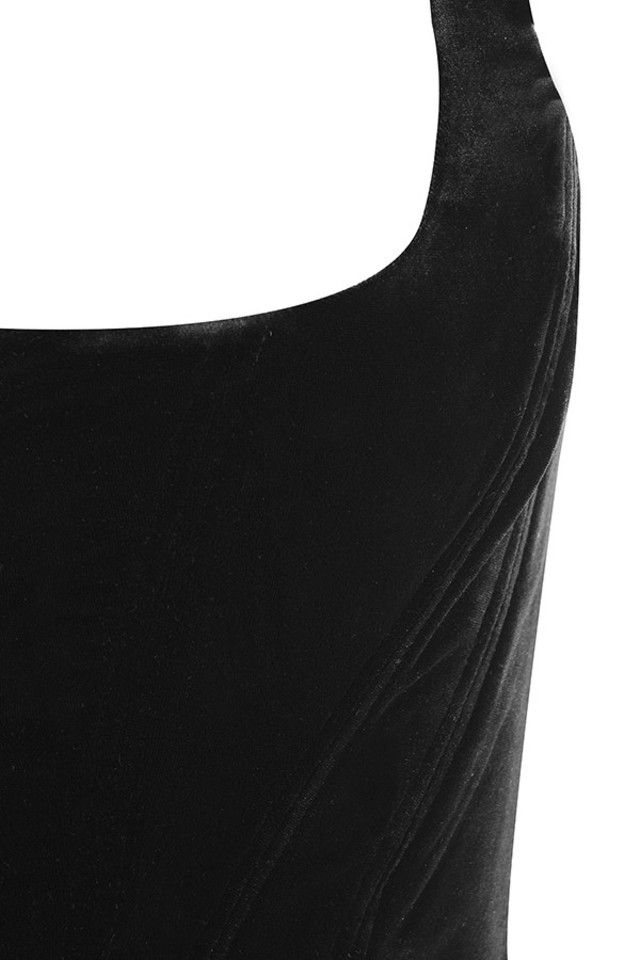 black flaminia