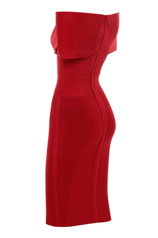 clarissa in red