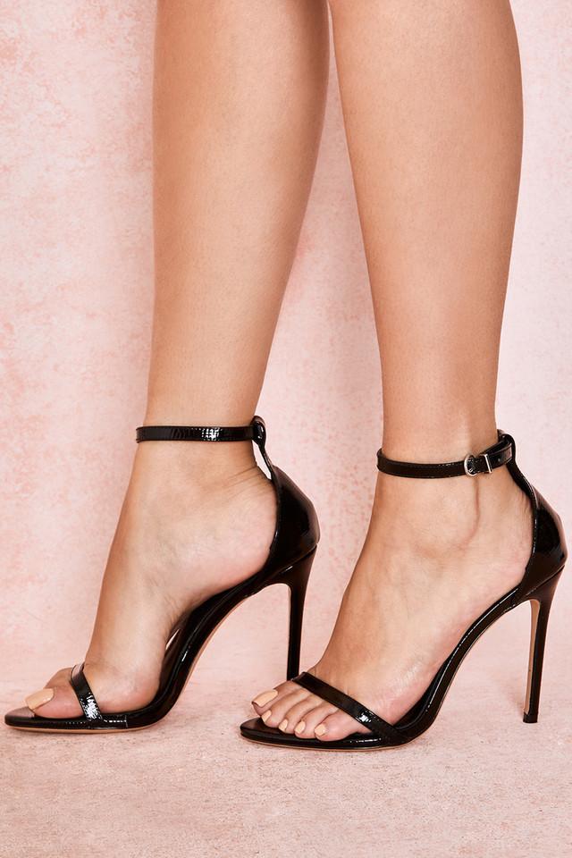 Marivel Black Textured Strap Sandals