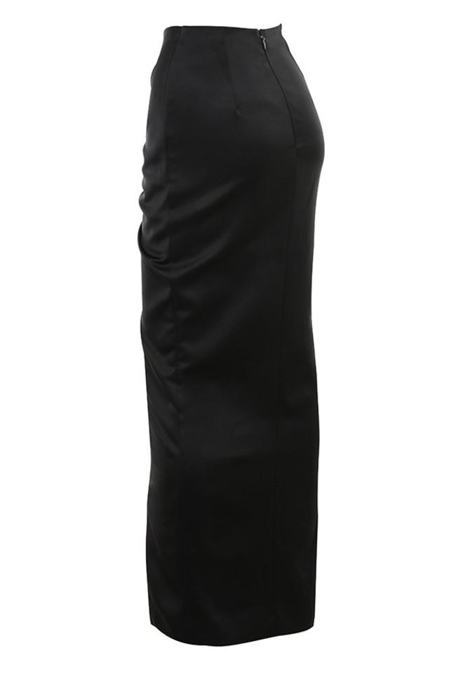 rani in black