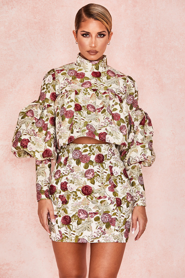 Naeve Vintage Floral Ruffle Top