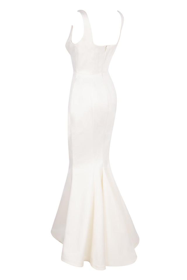 estella in white