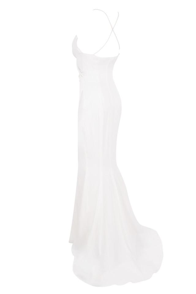 gigi in white