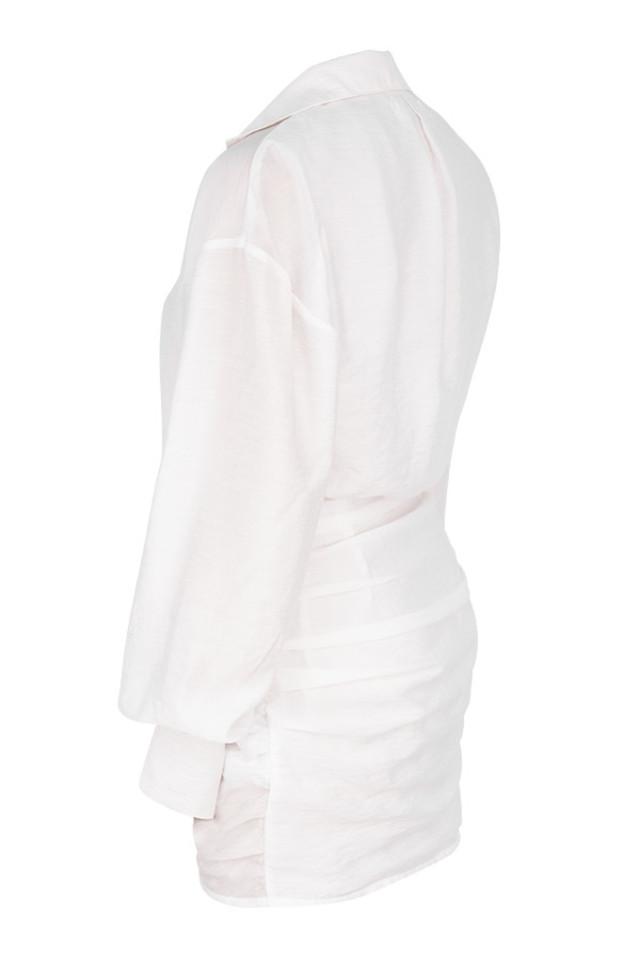 carys in white