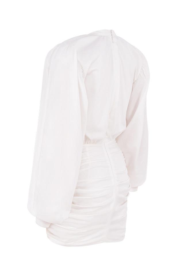 lakisha in white